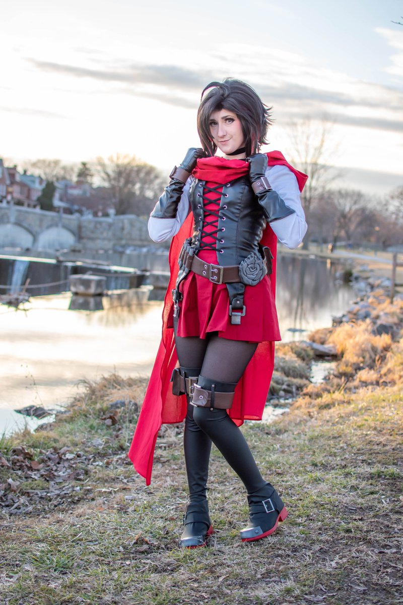 It's our first ever #FeatureFriday here with RT Cosplayers and we are happy to say it is @LMcosplays's Casey!  An absolutely phenomenal Ruby Rose cosplayer, and quite honestly in every cosplay she does, we are lucky to have her in our community!