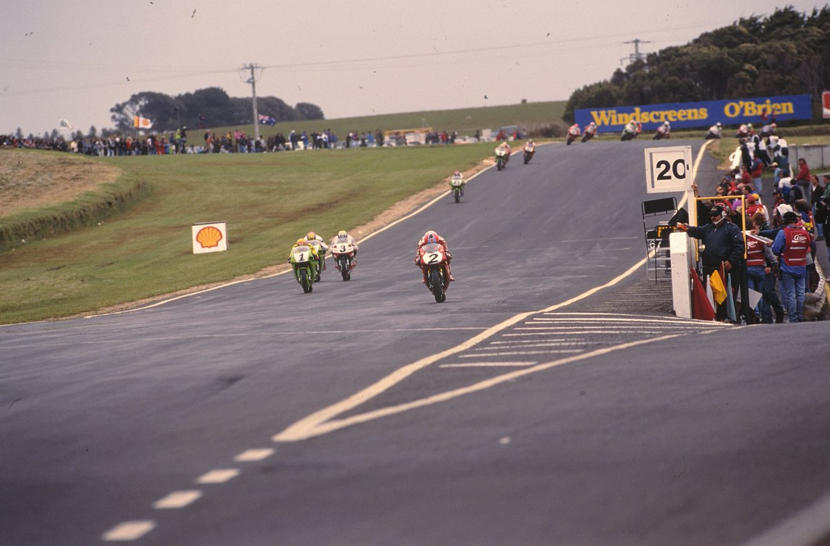 test Twitter Media - 🙌 A stunning season that went down to the last round; @carlfogarty's disappointment of 1993 was now forgotten as he became the first British World Superbike Champion in Race 2 at Phillip Island, 1994! 🏆  #WorldSBK   📃Read the full story👇🏻 https://t.co/radj5bYKVN https://t.co/FO1333yxIS