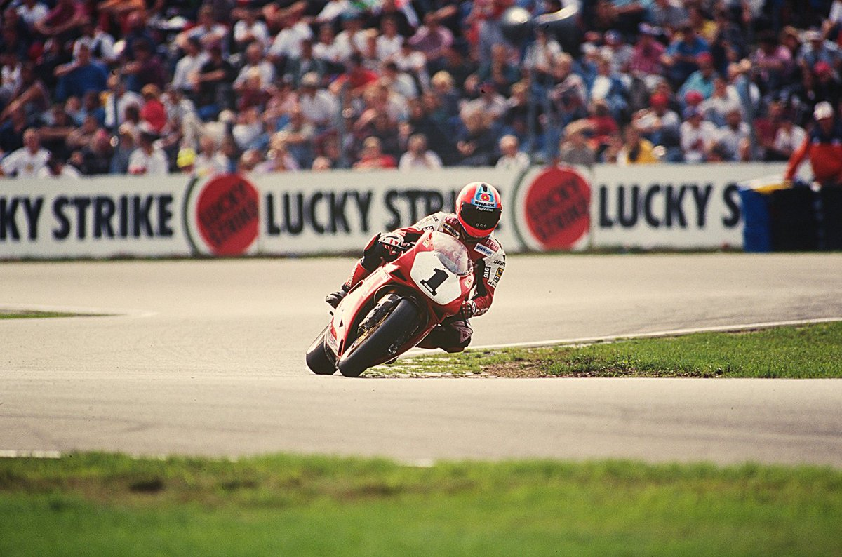 test Twitter Media - Fogarty + Assen + 1995 = Double WorldSBK Champion. 🏆🏆  👑King @carlfogarty's Kingdom was expanding, as he and his thousands of fans made the annual trip to the Netherlands.   WHAT. AN. ATMOSPHERE 😯  📃 FULL STORY | #WorldSBK  https://t.co/radj5bYKVN https://t.co/Ib968iwL1h