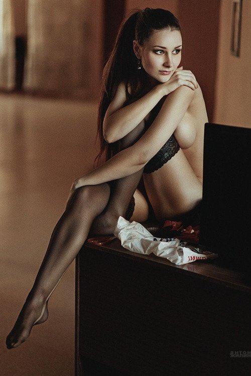 🍒 #blackstockings #brunette #lingerie #holdups #sexylegs #luxuryhosiery
