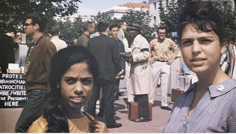 The Apple does not fall far from the tree. 60 years ago, @KamalaHarris fearless mother Shyamala Harris took part in civil rights protests. Today, her daughter, a sitting US Senator, who grew up accompanying her parents to marches, stood in peaceful protest outside WH 💕🙏