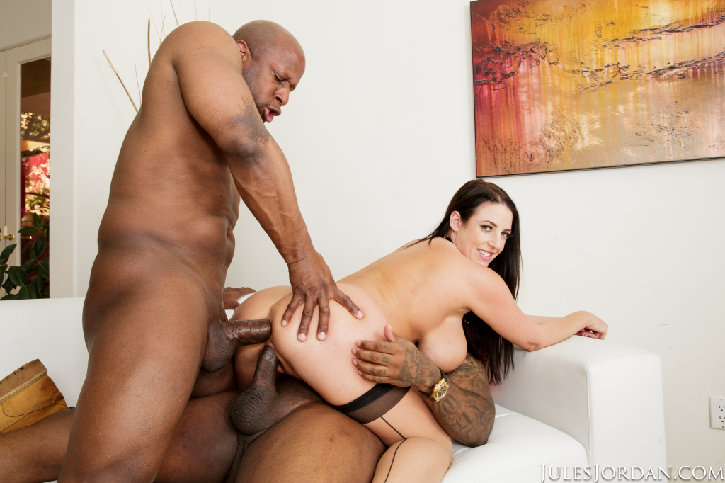 Two is better than one @ANGELAWHITE wants BOTH @PrinceYahshua & @Itzmericostrong 😈😈