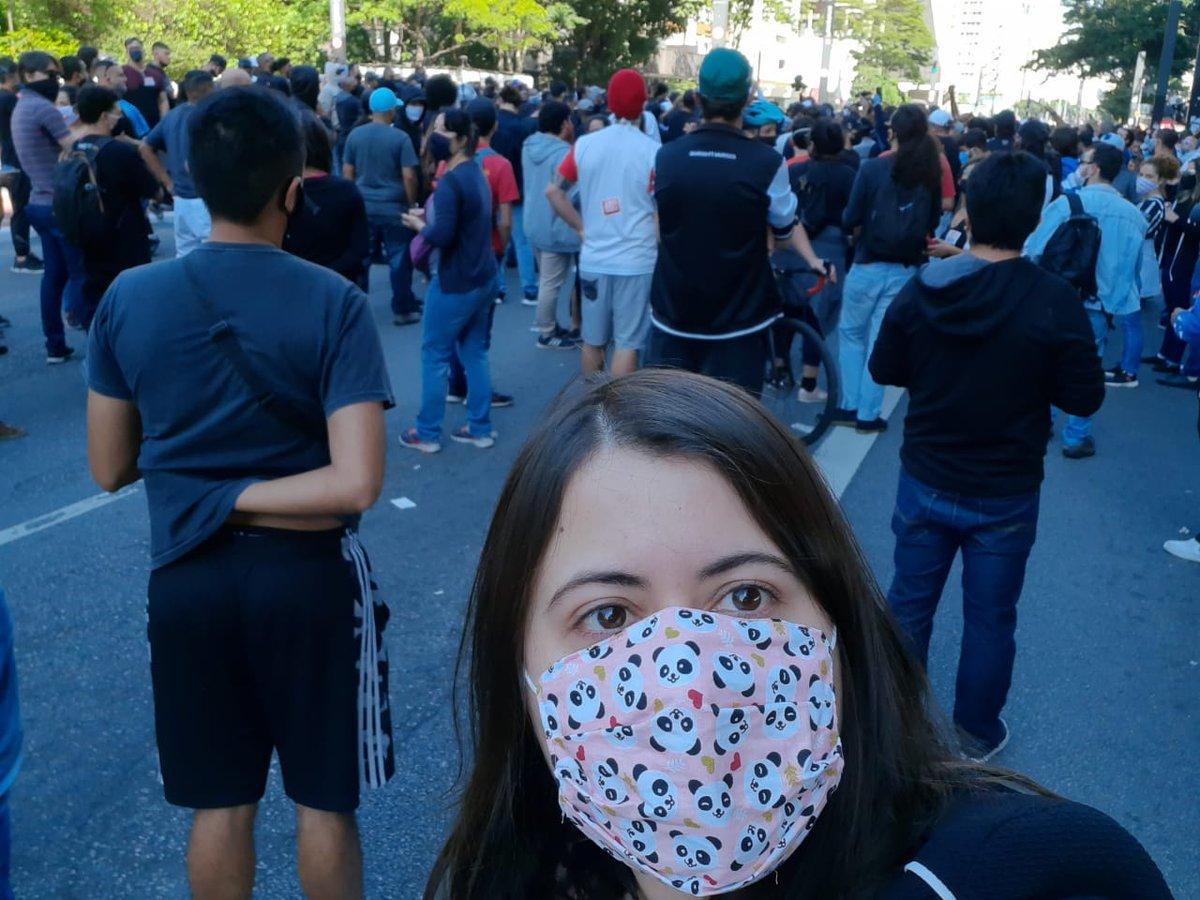 Vim apoiar o ato anti fascista das torcidas organizadas. Com máscara e distância, seguindo as recomendações sanitárias. #SomosDemocracia