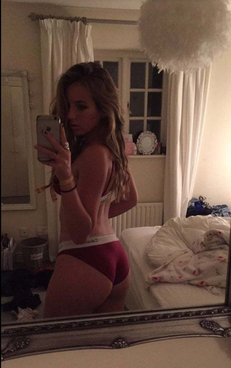 I am just thinking about posting nude pictures. Shall I do that? at 75 likes I show you my little pussy. #nudes #sexy #singleteen #lesbian #singlelesbian #horny #pussy #naked #likeme