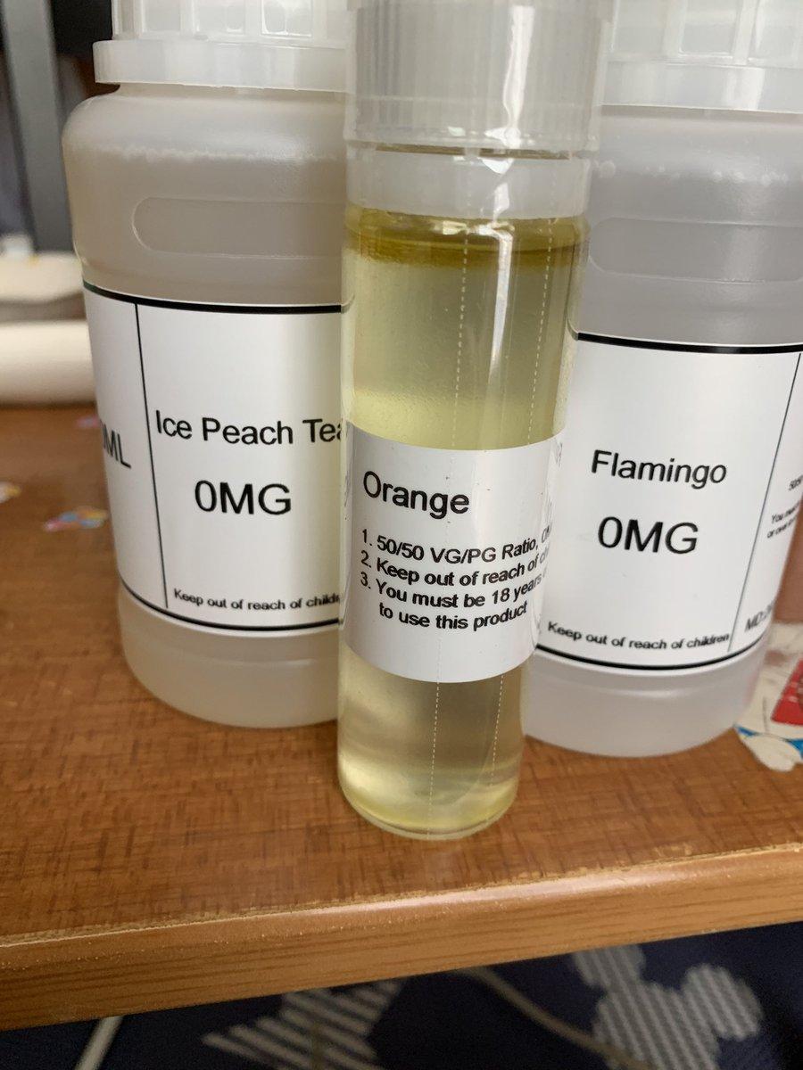 test ツイッターメディア - HILIQさんから無事到着。 在庫が切れて買おうと思った時にコロナでバタバタしてしまい、やっと購入。  今回は250mlを! オレンジは以前買ったカシスとブレンドしようかと🤤🤤🤤🤤  #HILIQ # VAPE https://t.co/MBdtIGAcx8