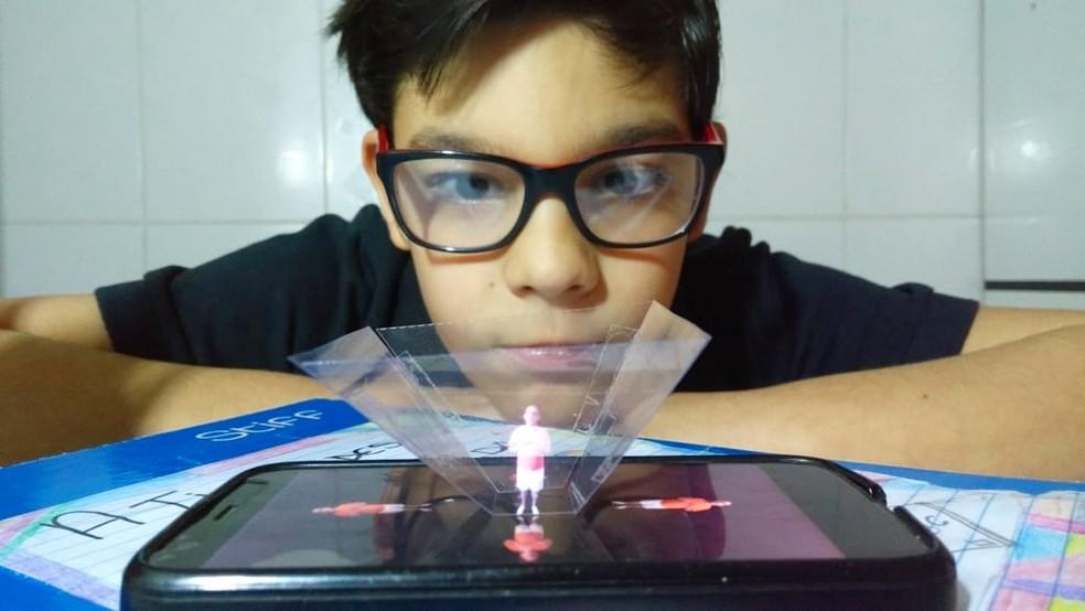 #Criatividade - Professor cria holografia para atrair alunos aos estudos no interior de SP  #G1