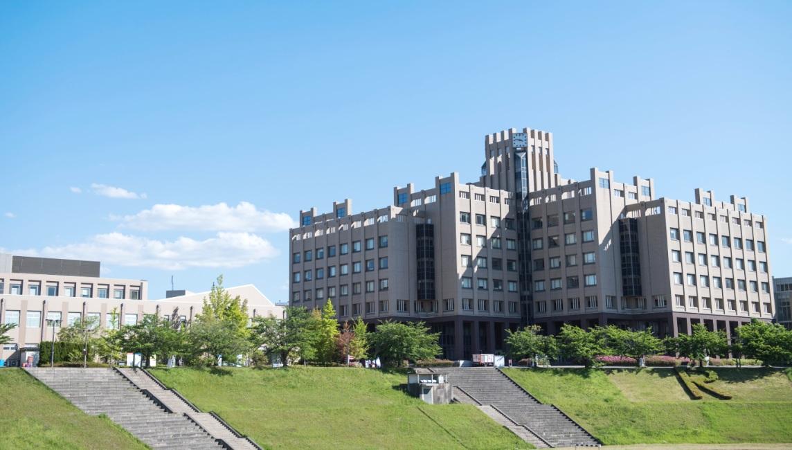 test ツイッターメディア - / 立命館大学の広さを知っていますか?#測量の日📏 \ 本日は測量の日ということで、立命館大学の広さを紹介👍  各キャンパス(衣笠、BKC、OIC、朱雀)の総敷地面積が約870,000㎡となり、甲子園球場(約38,500㎡)の約22個分の大きさになります💪  ちなみに一番大きいのがBKCの約630,000㎡です❗️ https://t.co/UdYWyXaJex