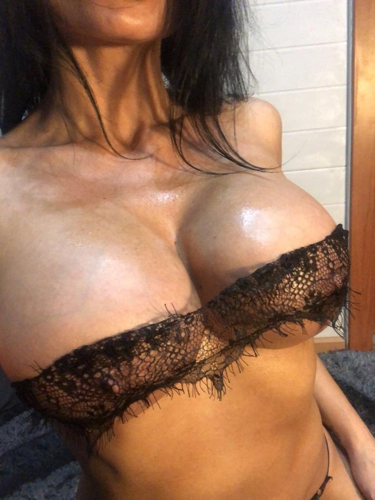 You what more?   #onlyfansgirl  #tits #bigtits #model #beautyporn #porn #sex