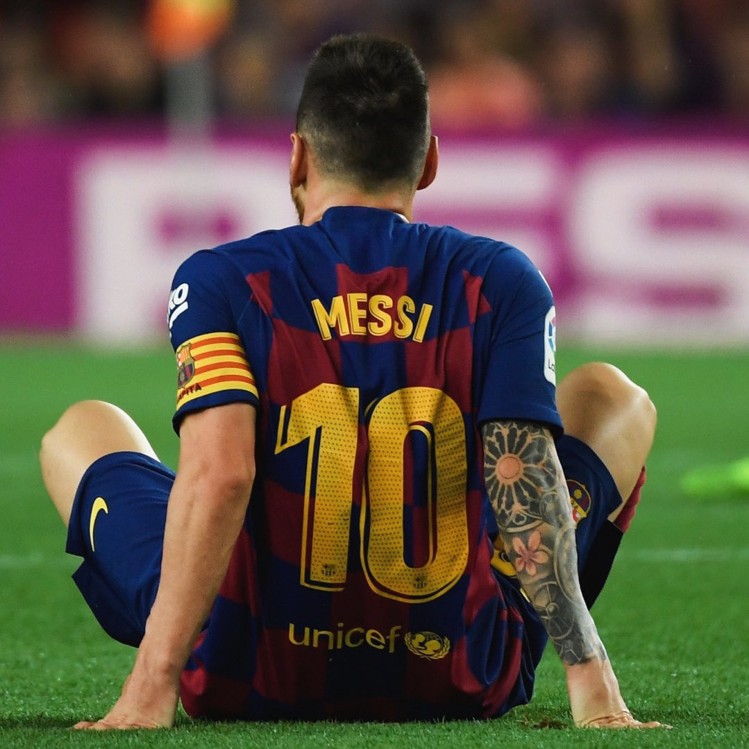 🔟 days to go!   RT if you can't wait to see Lionel Messi play.