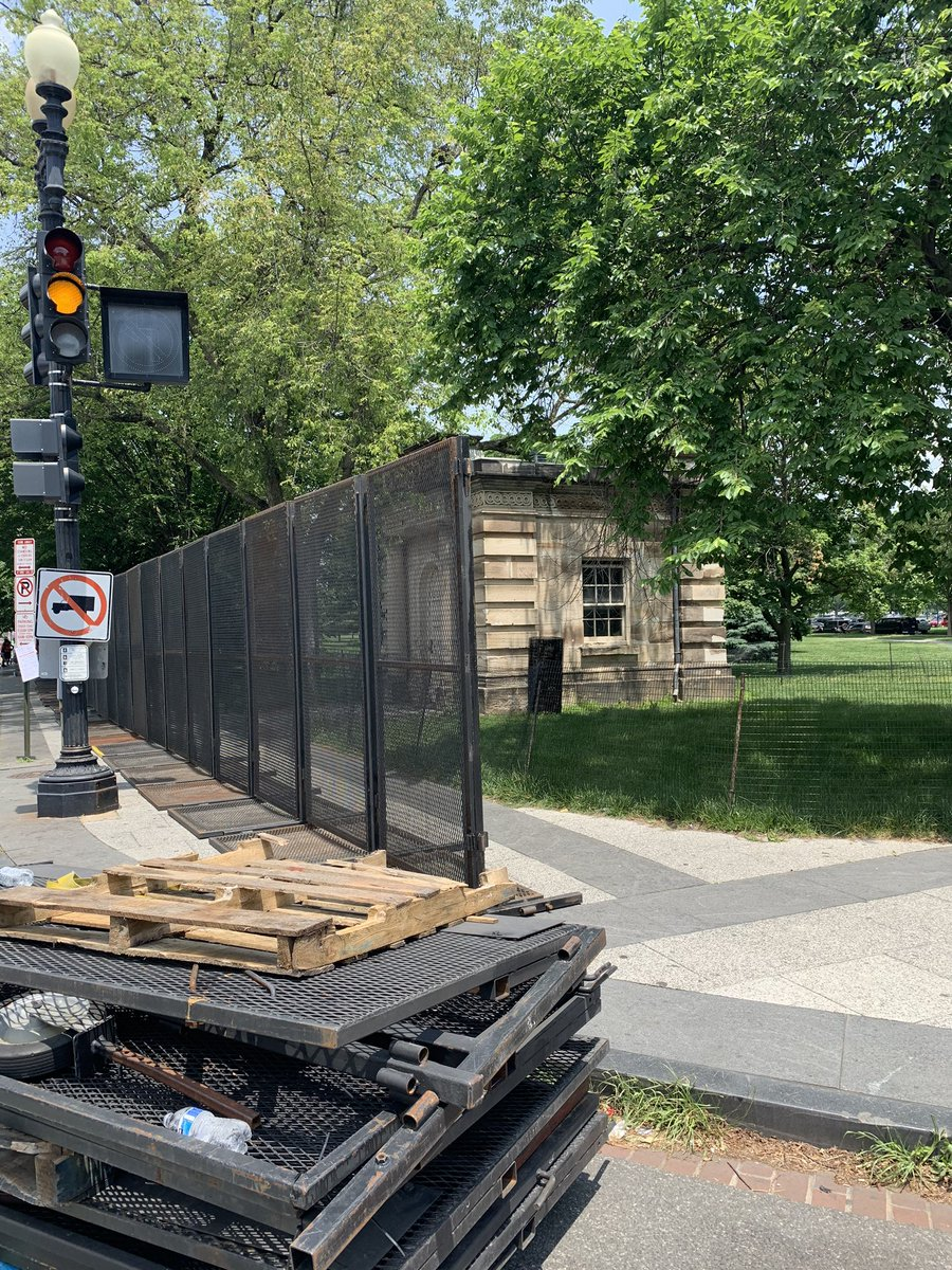 It appears the fencing perimeter around the White House is expanding — this stretch going up at 17th and Constitution.