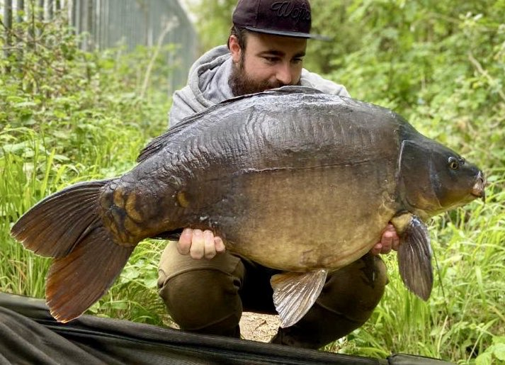 Chris Joly gets in his favourite Railings swim on @stgeorgeslake and has a 31.12 #<b>Bigcarp</b> #ca