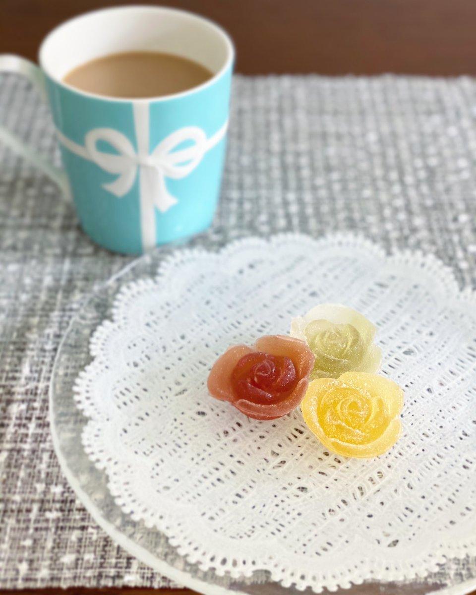 test ツイッターメディア - おやつタイム☕️  可愛い彩果の宝石🍓🍋🍎  暑いけど、いまから家具の組み立てをひとりでがんばります😂  #優菜の幸せ記録🌼 https://t.co/MVFYk0vC2F