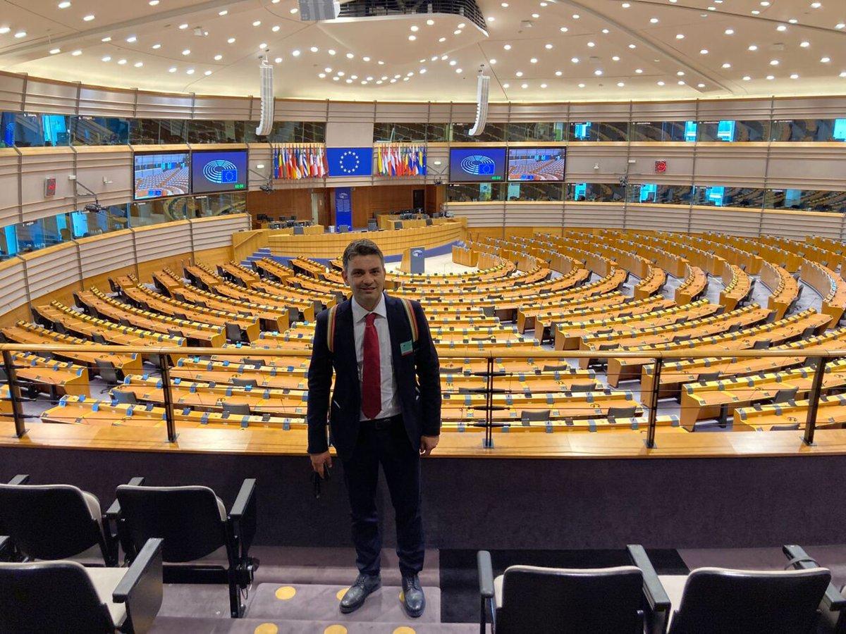 test Twitter Media - #cronaca #ultimenotizie Maurizio Cinque a #Bruxelles: «Vico Equense modello pilota europeo di città ecologica» - https://t.co/lyA3lZtXg9 - #MaurizioCinque #UltimeNotizie #VicoEquense https://t.co/1A60O0WIt8