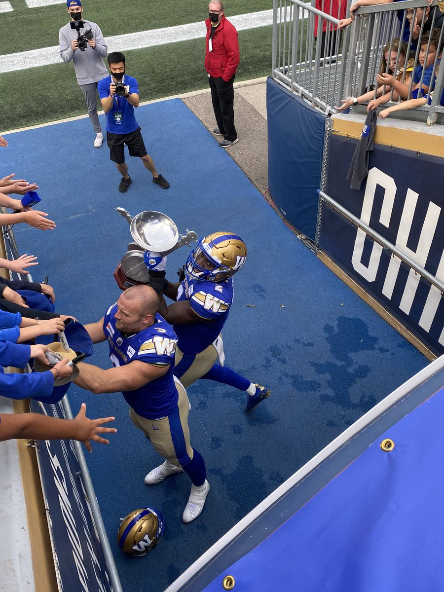 test Twitter Media - Great game @Wpg_BlueBombers! Always proud to wear the blue. Especially today. Hall of fame performance @Bighill44. https://t.co/NnA6NDv4AF