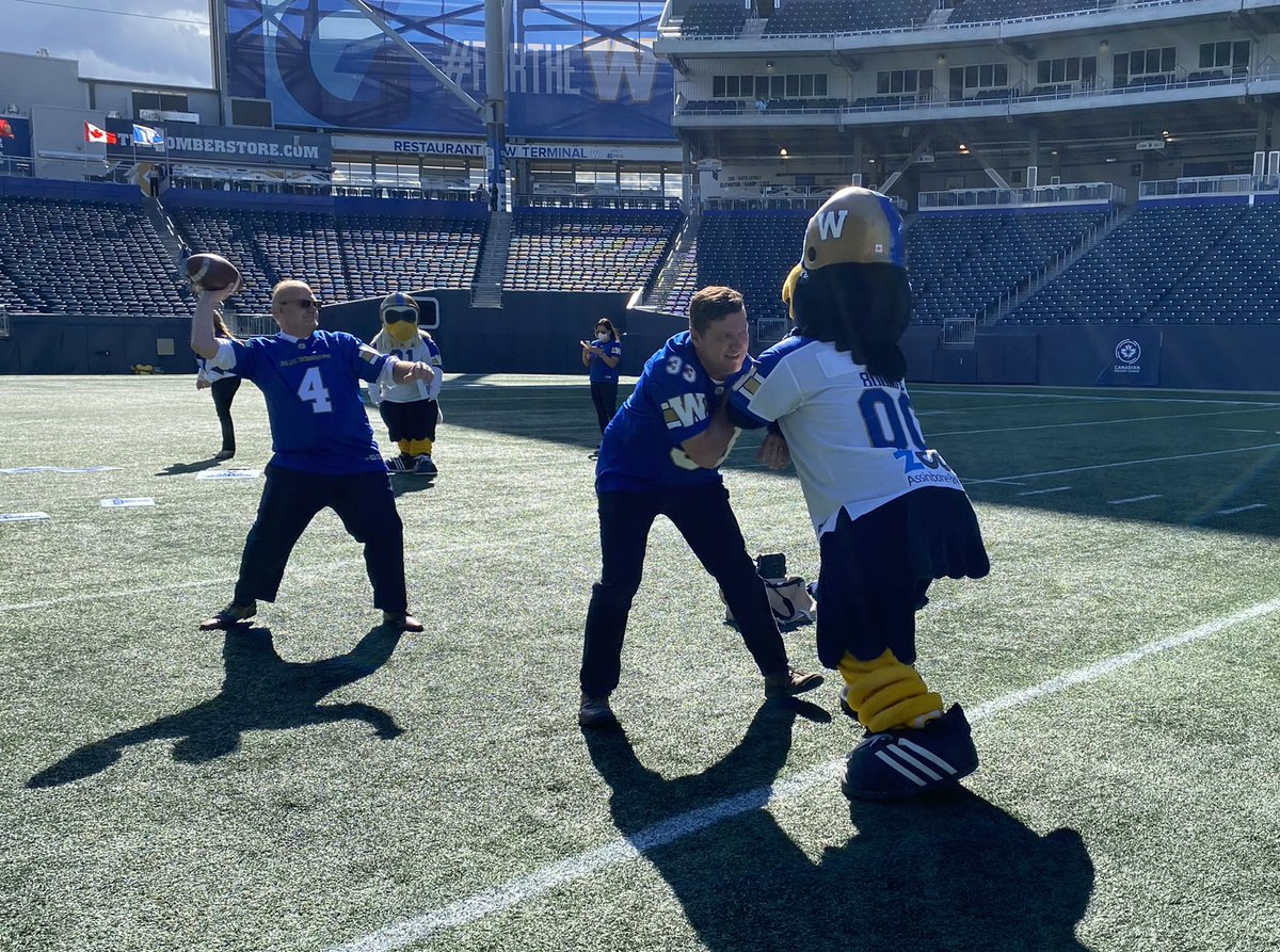 test Twitter Media - Was honoured to induct the 2019 @Wpg_BlueBombers  Grey Cup Champions into the Order of the Buffalo Hunt, one of Manitoba's highest honours. And then we had a bit of fun! #ForTheW https://t.co/7IRmcD0VVH