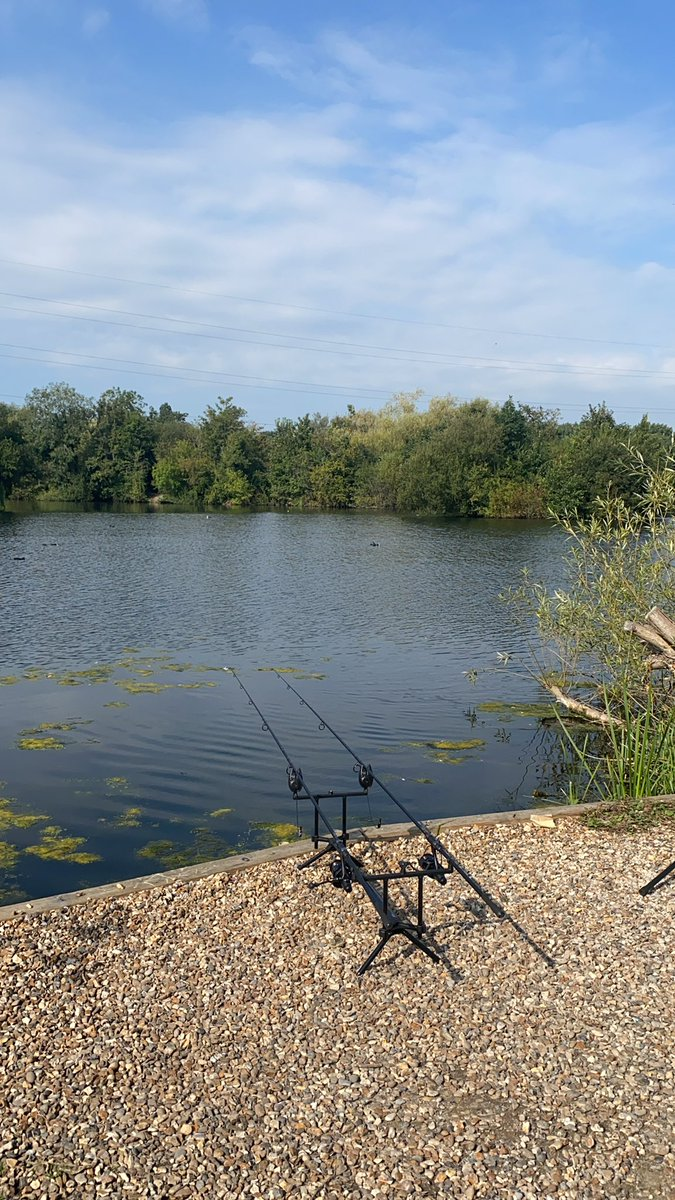 Love being on the bank when the weather is like this.   #CarpFishing #FarlowLakes #Fathersontime htt