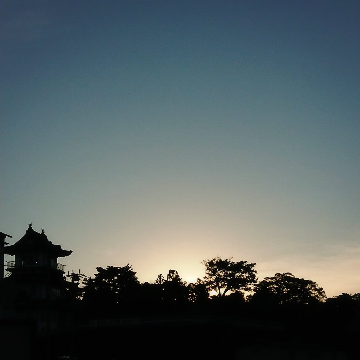 test ツイッターメディア - 1分間に表情変えた17時。松島城と空。今日は松島本店も仙台駅店も大盛況でした。久々の再会、嬉しかった、松島に響くにぎやかな雰囲気。あしたも松島本店、真鶴さん試飲販売会継続(ノ´∀`*) 明日からご紹介するかわらばん隠し酒は必見。 https://t.co/H2VEM3HC9E  #むとう屋 #かわらばん投函は火曜日 https://t.co/pyVGQjrL2D