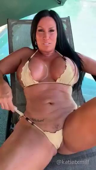 you should checkout my fan page (click the link on the video) if you want to see my xxx content... its only 4 bucks...i currently have over 9,400 paying subscribers and ZERO are unsatisfied!!