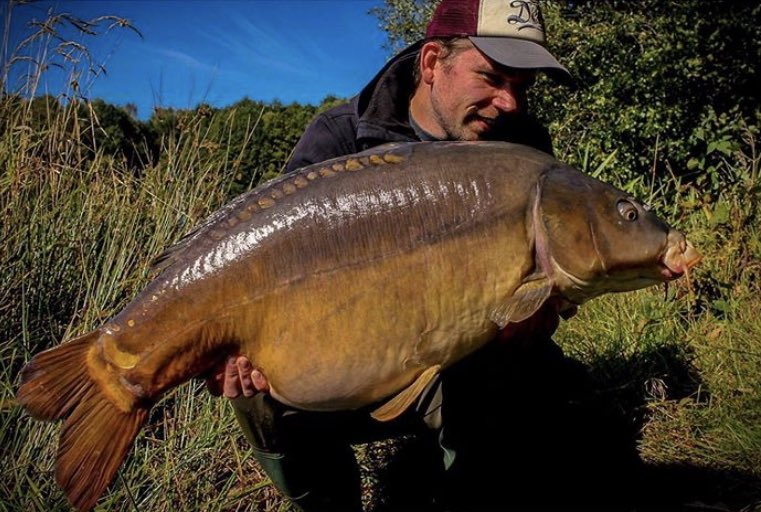 Stunning catch from Dion Bekkers, well done mate!!💪🏻🎣  @TheCARPbible   #Carp #CarpFishing #