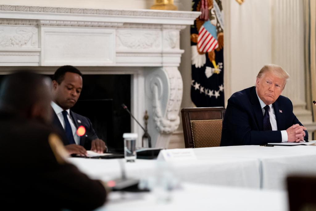 Today, President @realDonaldTrump held a roundtable discussion with law enforcement leaders, who discussed responsible ideas for reform and ways for police officers to act as better friends to their communities.  1600 Daily: