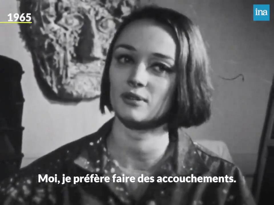 """""""Alors vous considérez que les femmes devraient peindre des bouquets de fleurs ? Moi, je préfère faire des accouchements. Parce que c'est mon problème. Les bouquets de fleurs, ça ne l'est pas !"""" Niki de Saint Phalle : un art au féminin (malgré ce qu'en dit l'intervieweur...) https://t.co/c0UwpMfcEY"""