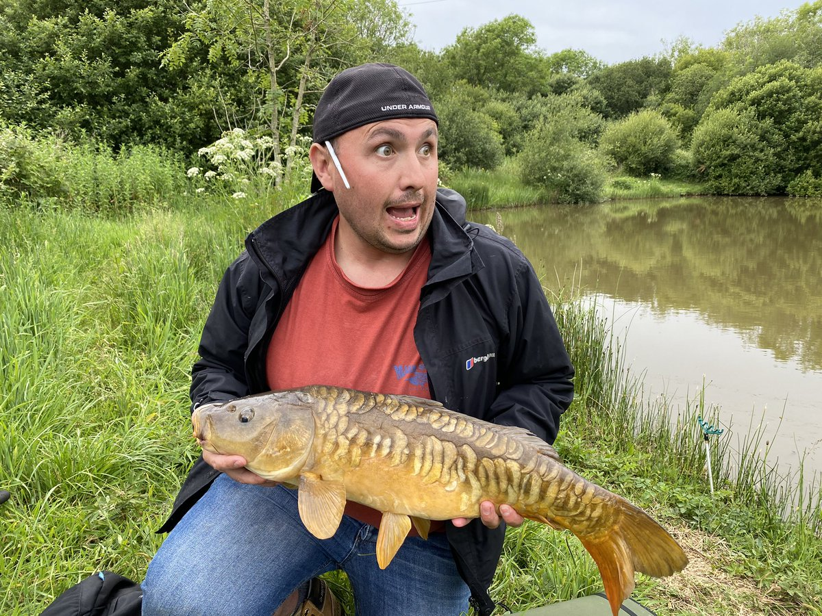The face you make when your Rod files off the stand mid photo 🤣🤣🤣🤣! #carpfishing #supris