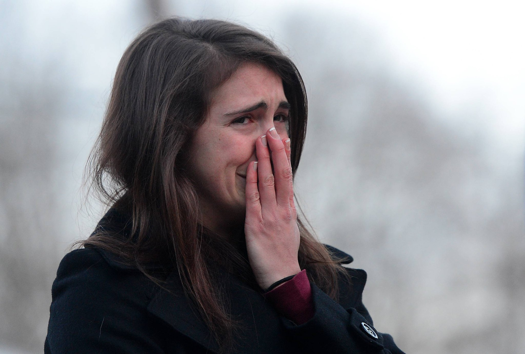 Девственница Плачет