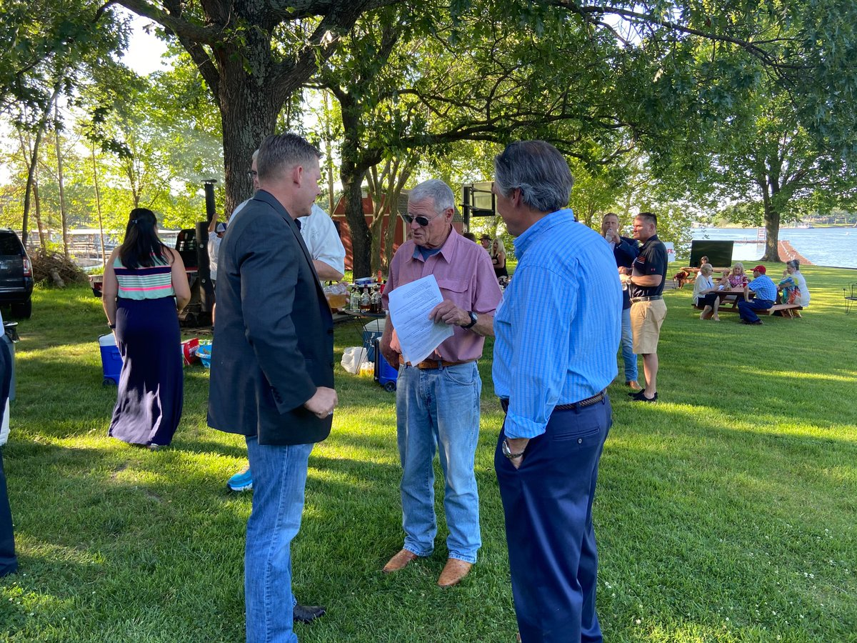Hitting the campaign trail to fight for Oklahoma, grow jobs and support our president. Good to see so many friends this weekend in Ketchum. Great conversation and perfect Oklahoma BBQ. 😀