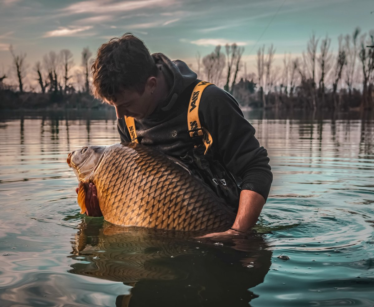 The best moment... #carpfishing https://t.co/uWyO0FHTbK