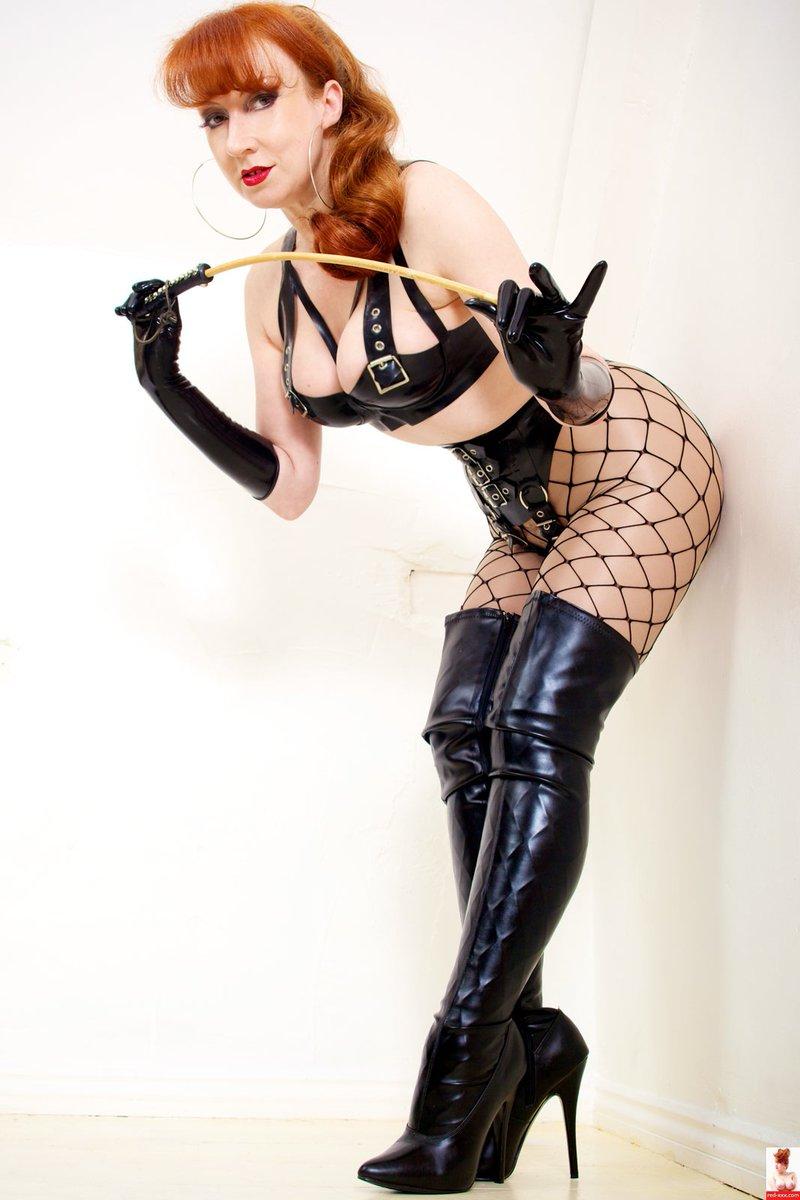 Divine @red_mistress 🔝👑🔥🖤✨ #Goddess #Fetish #Sexy #Latex #Rubber #ThighHighBoots #Dildo #Pleasure