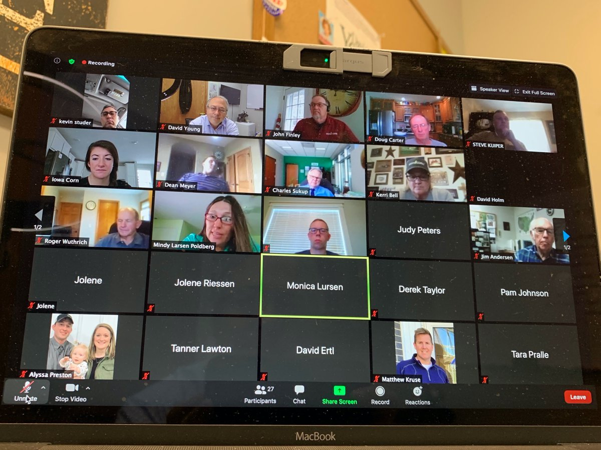 I had a virtual roundtable lunch today with my fellow @iowa_corn members. It was great to see everyone and discuss key issues impacting corn growers. #IA03