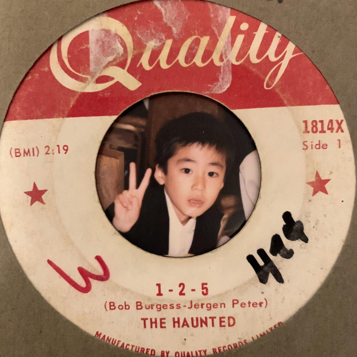 test ツイッターメディア - 60年代カナダを代表するガレージバンド!この曲は我々もカバーして、ハープを甲本ヒロトさんにお願いした…最高の思い出曲!  音源はバージョン違いが3つあり、写真は66年にカナダで発売したもの。 リンク先音源は後に発売されたLP盤音源。  …覗くのは6才の亮  the haunted https://t.co/quv6ium2yN https://t.co/NuXqM4cM18