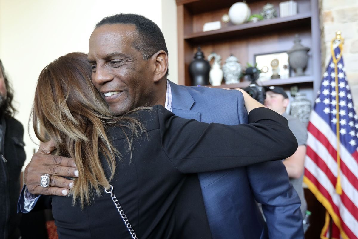 Congratulations to @BurgessOwens, our Republican nominee for Utah's 4th Congressional District!   This is a 🔵🔜🔴 flip opportunity.  #UT04