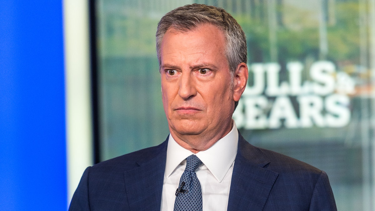 @seanhannity I can't keep up with DeBlasio  I've ran out of ways to describe how stupid he is  False narratives now have a more profound meaning than religion in the vacancy between Bill's ears  R.I.P New York