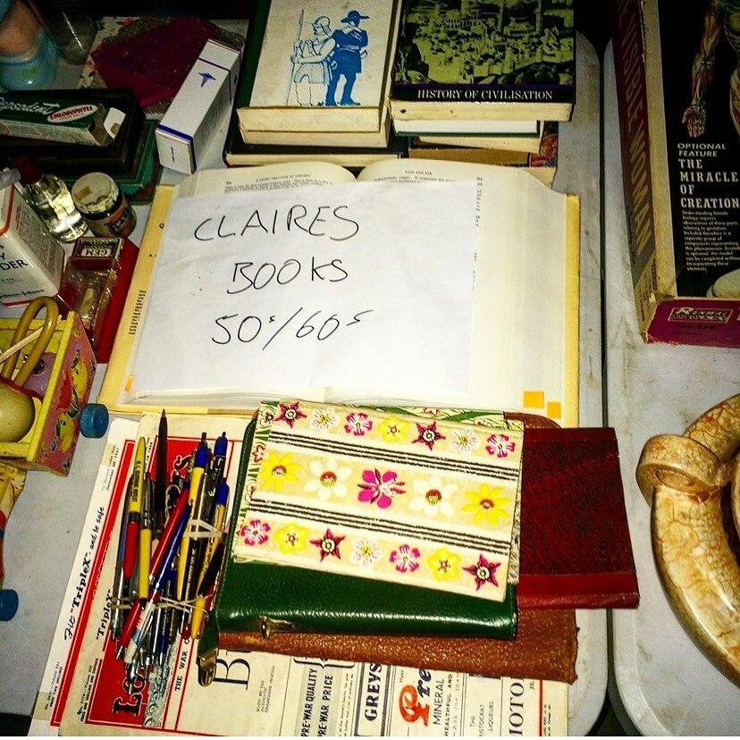 No.6 #ilovebooks Even #clairefraser read for decades! BTS #outlander series props #droughtlander #instabookstagram #booklovers @jongarysteele @macnicki @myplumjumper