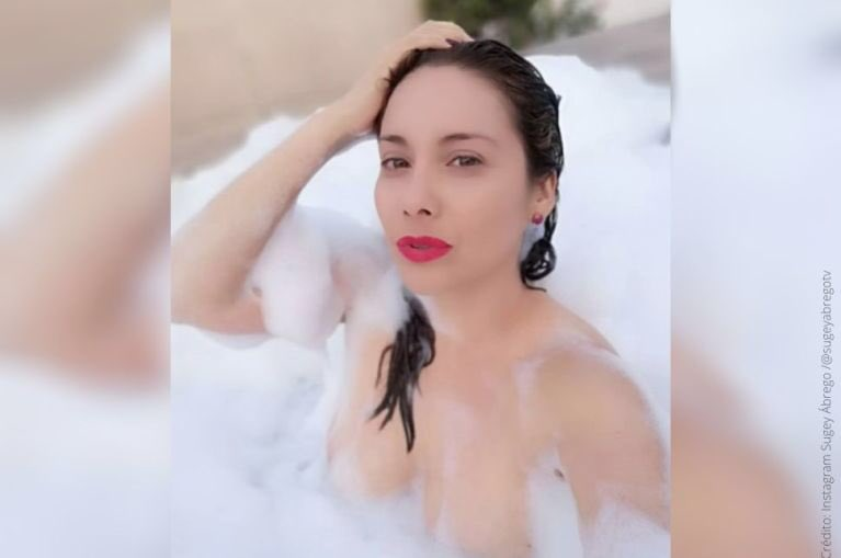 ¡@SUGEYABREGO nos deslumbró con su belleza y sensualidad en el foro de #VLA! 🤩🔥  Conoce más de ella aquí: