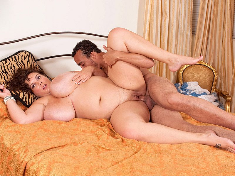Charlie wants to know how long her date can hold his breath. Because she aims to smother him by burying his face in her valley of twin delights. Watch it on   ENJOY! #bbwpornstars