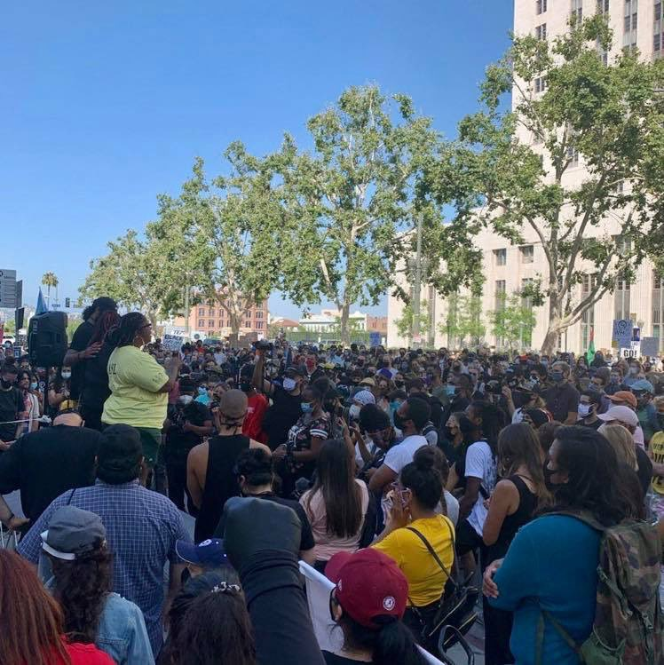 LAPD just posted this photo of people protesting tonight. People are messaging me, asking how this is allowed, with no social distancing, when hours ago Governor @GavinNewsom said we shouldn't even see our family for a July 4th gathering this weekend, unless we live with them.