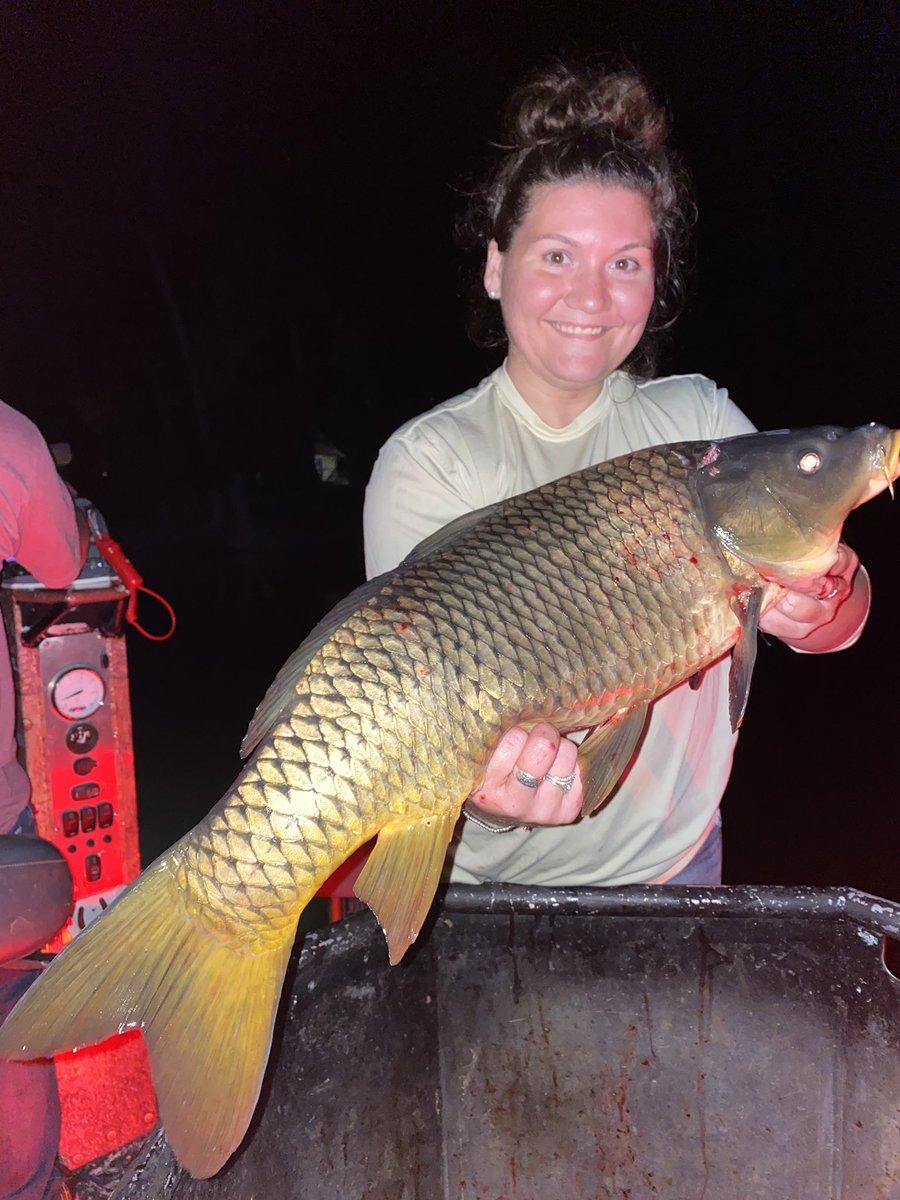 Shoot like a girl!🏹 #bowfishing #carpfishing #girlswhofish #nightfishing #<b>Boat</b>life https:/