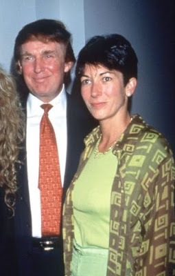 """@realDonaldTrump Weird how you suddenly decided to have a news conference about """"jobs"""" at 9:30 am, just as news is breaking that Jeffrey Epstein's pimp, Ghislaine Maxwell, has been arrested.  Nice try, dipshit. 😁😅🤣"""