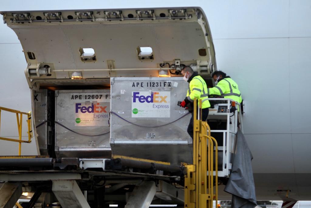 Arribó séptimo vuelo proveniente de los Estados Unidos con ventiladores Hamilton, a esta fecha ya 410 recibidos conforme a lo programado. Agradecemos el valioso respaldo de las autoridades de ese país asi cómo a la empresa fabricante y FedEx. Gracias!!