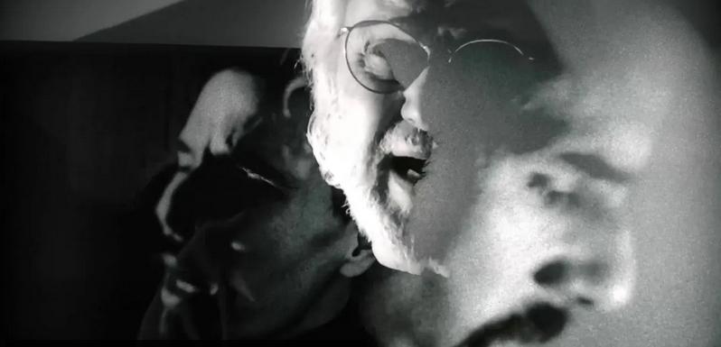 """test Twitter Media - Eduardo Carrasco de Quilapayún celebra sus 80 años estrenando """"Uno más"""" 🎶, single que habla sobre la tristeza de las personas contagiadas por covid 19 😔. En el registro estuvo acompañado por su hija Manuela, Colombina Parra e Ismael Oddó 🎵. Escúchalo -> https://t.co/FFnfJPhYtp https://t.co/QzbOu2WgO5"""