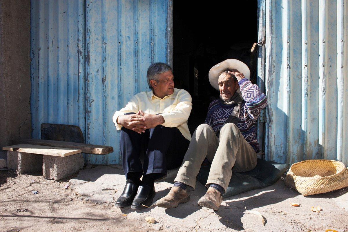 Felicidades a todos los papás de México, vivos, difuntos y siempre recordados con cariño.