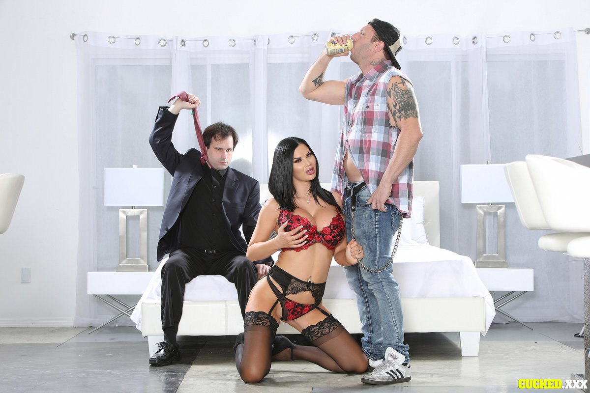 Too bad @MarceloSlave isn't the real man @jasminejaexxx needs...  @markzane seems to pack exactly what she needs, in this scene for