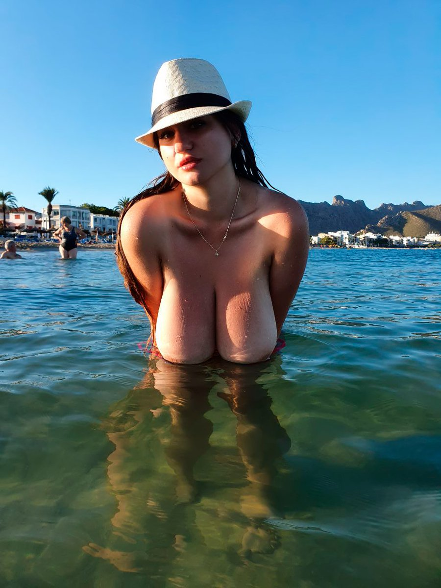 That was first time, when I undress on public beach😮 see more on my