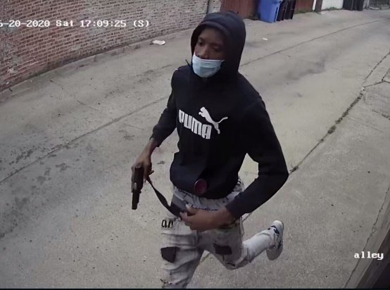 @RealCandaceO Please help us find this cold blooded killer who gunned down 2 kids on Chicago's South Side this weekend.  Please RETWEET this even if you're not from Chicago a RETWEET will make this spread far and wide.  #BlackLivesMatter #SilenceIsViolence