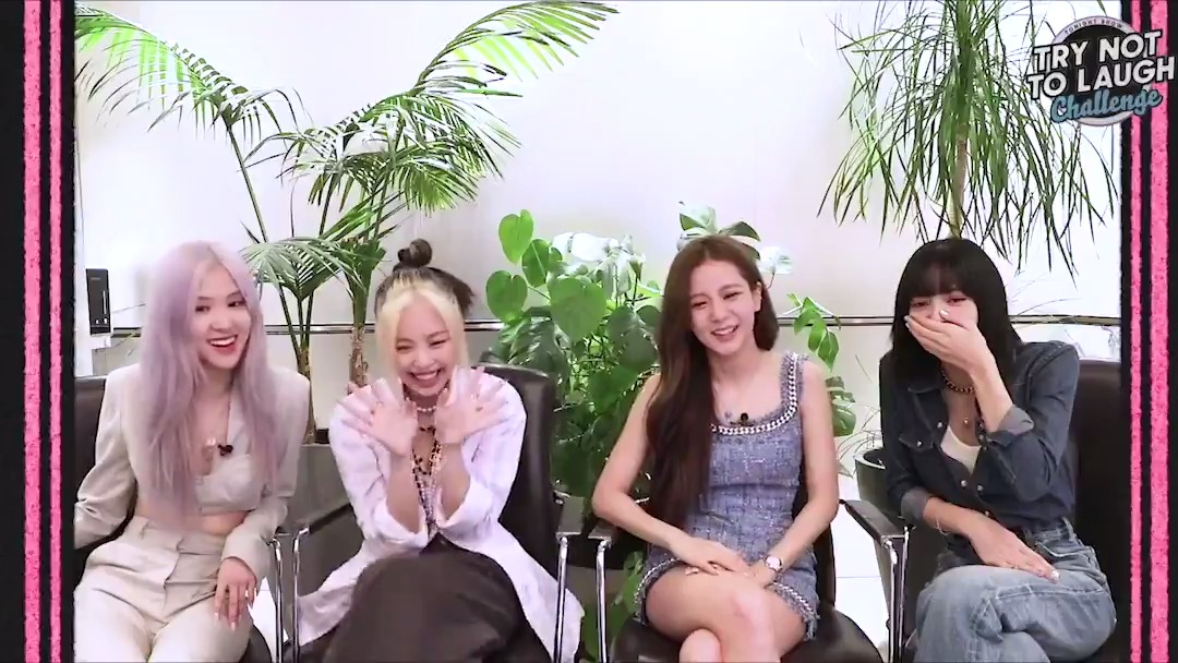 First round of the Try Not To Laugh Challenge with @BLACKPINK: Dentures!  #BLACKPINKonFallon