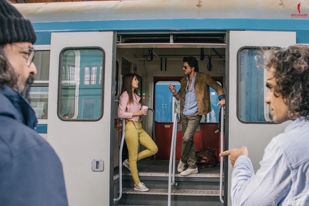 Jab Harry met Sejal on a train! 🚆