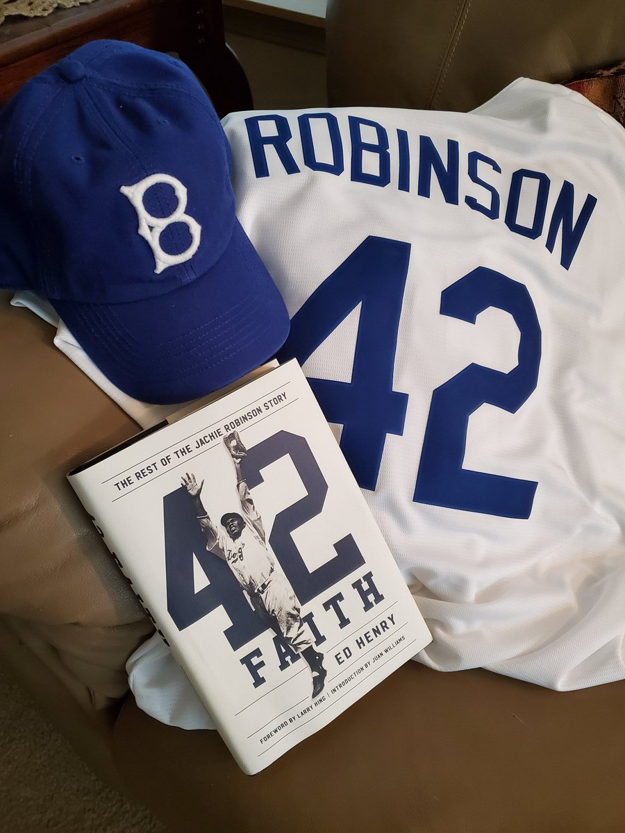 I encourage you to join me in tipping your cap to honor the 100th Anniversary of the Negro Leagues. Also to read this great book about Jackie Robinson. @TipYourCap2020 #negroleaguemuseum @nlbmprez  @edhenry