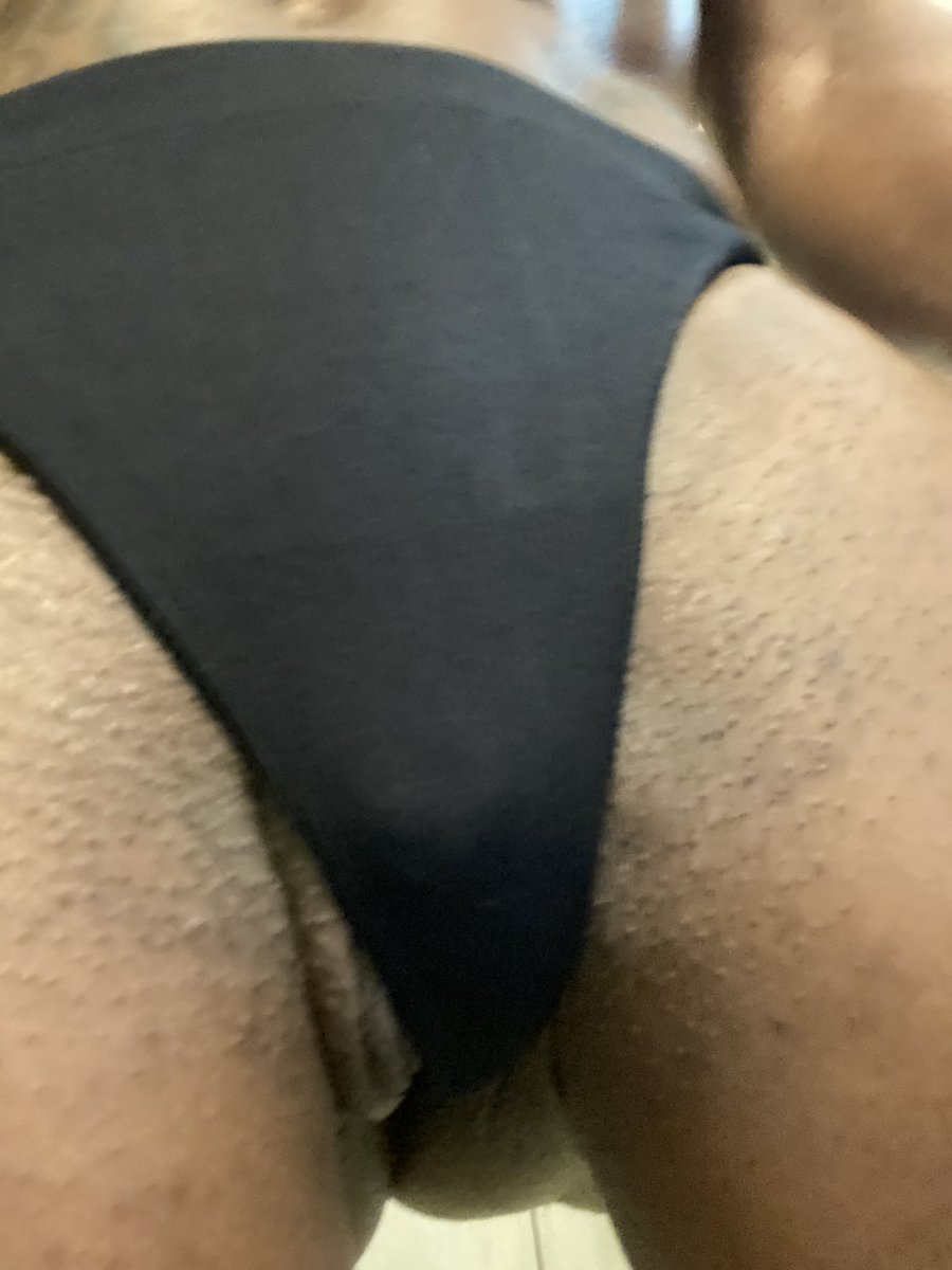 Panties never seem to fit me right !!  #bigclit #bigclitenergy #fbbclit #kelliorovocateur #worldsbiggestclit  #joi #ebonygoddess #powerfulpussy #rt